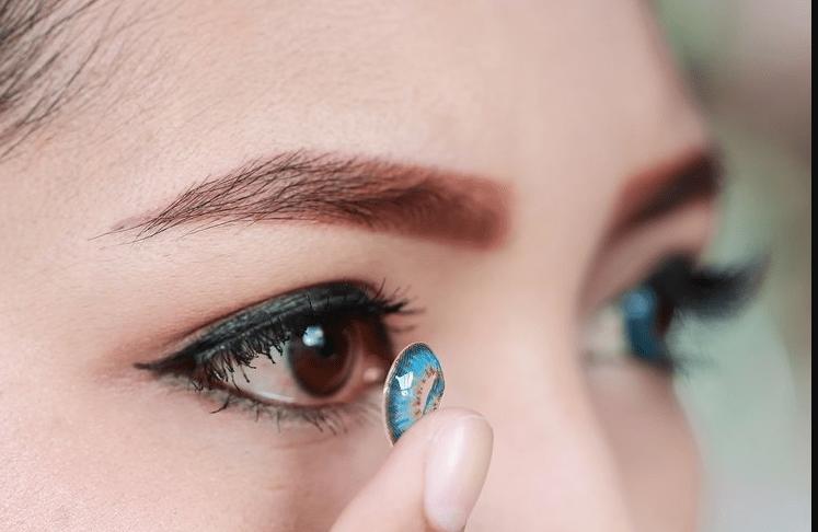 Cara merawat softlens agar mata tetap nyaman saat digunakan